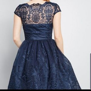 NWT chi chi London dress size 4. Navy lace